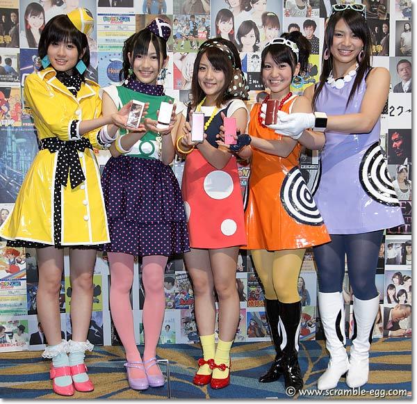 AKB48、ドコモ新商品(906i、706i)発表会で新曲「Baby!Baby!Baby!」をPR ...